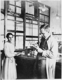 Lise Meitner and her colleague Otto Hahn who received the Nobel Prize in 1945. (Source: Wiki Commons)